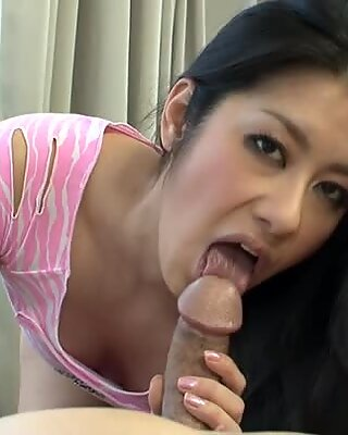 Wicked asian babe give cock engulfing pleasures