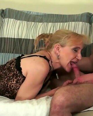 Hårig mormor sex samling