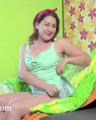 Ella Nori Masturbates efter tiden på hennes Balkong