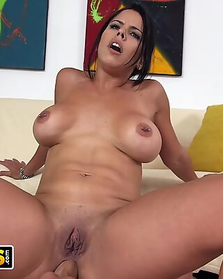 BANGBROS - Latin MILF Diamond Kitty Anal Sex With Sean Lawless