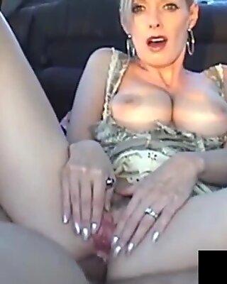 Kanadensisk Cougar Shanda Fay får en last på hennes Röv i Bil!