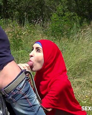 Fucking en muslim i buskene