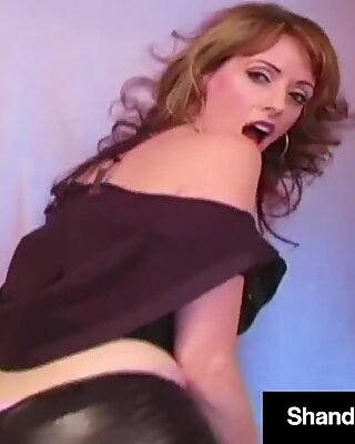 Horny Housewife Shanda Fay Dildo Bangs snatch In super hot pants!