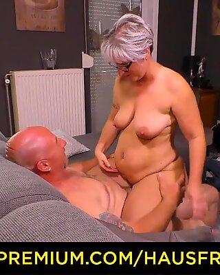 Hausfrau fous - ronde allemande mamie baise son mari pendant une bande amateur femme mûre