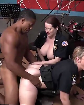 Raw flick seizes officer drilling a deadbeat dad.