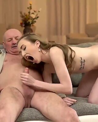 Old granny big boobs and daddy jerk off on chum  companion s daughter Russian Language