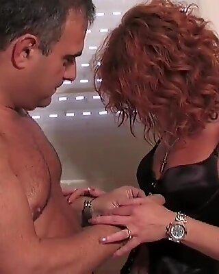 L'inspecteur de la taxe sexy vous a baisée. avec Ann Lorca !!