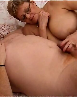 Nasty doctor gets laid with skanky fat housewife named Lynn