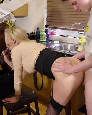 FAKE REMOVALS Two of the lads sneaky fuck a hot blonde married MILF