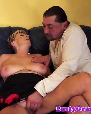 chubby granny cockrides reversecowgirl style