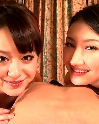 Två tjejer avsugning pov