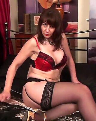 very first crazy video for curvaceous mature mom