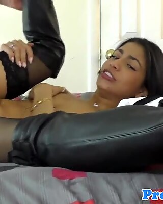 Heeled realtor pussyfucks for extra commision