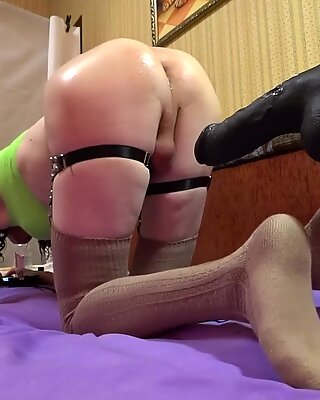 TS-girl sporty, fit body, oil ass - Sexy ass 3