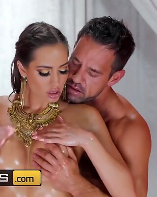 Brazzers - Big tit Goddess Desiree Dulce gets pounded till she cums