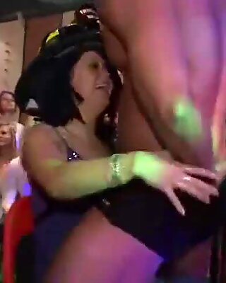 Male Strippers Have Sex With Party Girls From The Audience