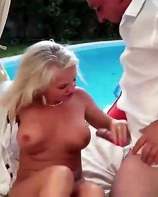 Méchante mamies baise compilation