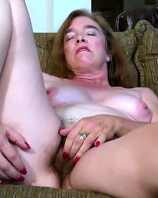 USAWIVES berambut tok ma pusssy fucked dengan mainan seks