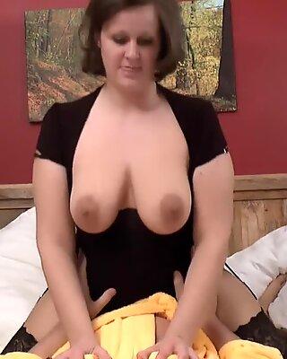 entices the sauna guest