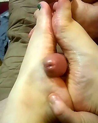 nailing Jaynas gorgeous feet