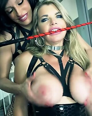 Latex Queen Rubberdoll Drills Busty Vicky Vette In The Ass With A Big Toy!
