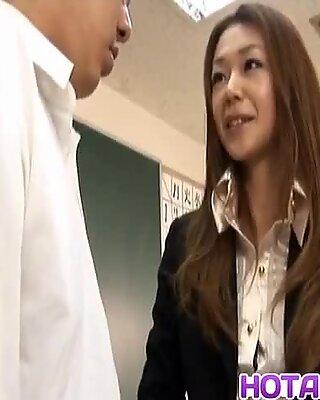 Sakura Hirota har HÅRIG mer på HotAJP.com