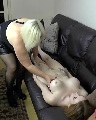 Toes sucking lesbian gran toys pussy