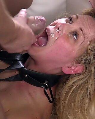 Maman Salope dans Esclavage Anal baisée et Juter Dessus