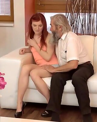 DADDY4K. Inesperada experiencia con un caballero mayor