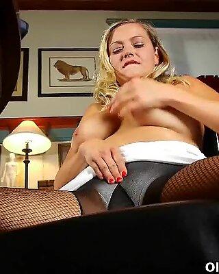 Mom's carefully hidden porn addiction