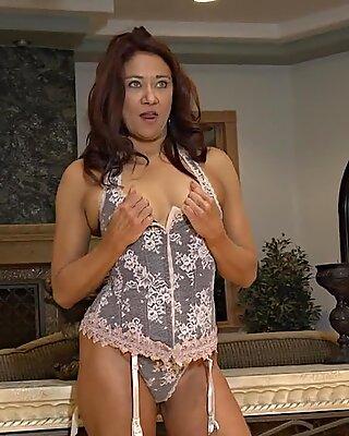 Naked Femme de Ménage chez Photo Shoot