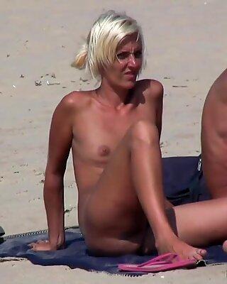 blond Milfs Nude At The Nudist Beach voyeur Hd vid