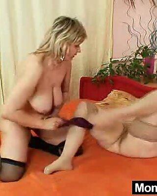 Amateur grannies lesbian pussy games
