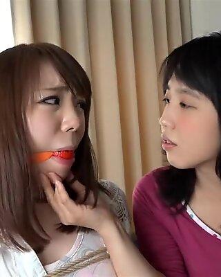 Chinois lesbienne esclavage