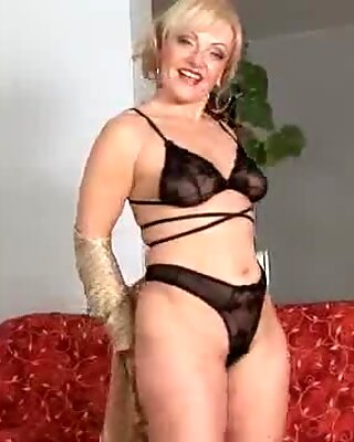 Femme Mûre Perle Anal Anal Blonde plus ancienne
