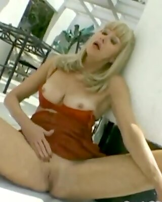 nice granny-ass and pussy