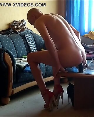 I LOVE HEELS AND BBC