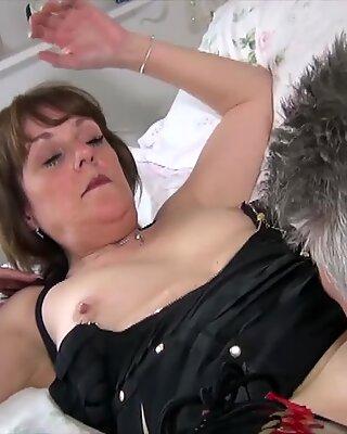 AgedLovE British Mature Hardcore Fuck and Blowjob