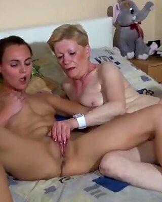 Mormor är jävla kåt