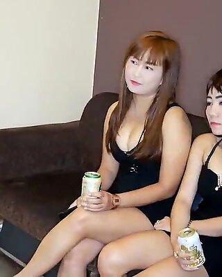 Thai Party Ladies Nail En Farang i denna Amatör Threeway