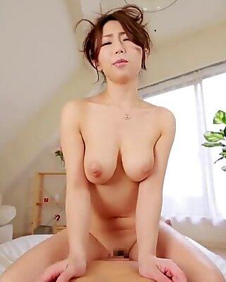 Ayumi Shinoda cockriding