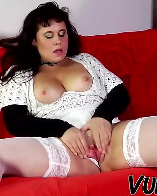 SEX BY AMATEUR COUPLE AT HOME !!