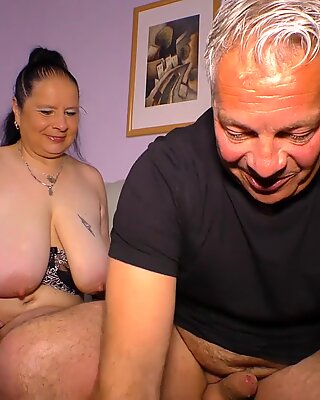HausfrauFicken - Mature German BBW in amateur fuck show