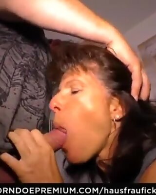 HAUSFRAU FICKEN - Cock sucking German cheating wife is a granny who likes