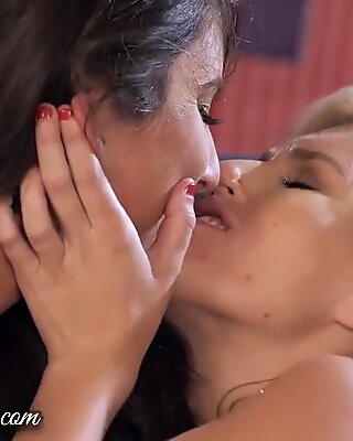 Når sild har det sjovt - fantastiske lesbiske saks